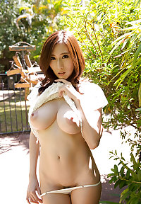 JULIA - Beautiful Japanese MILF