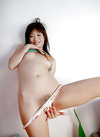 Hot young Japanese Babe!