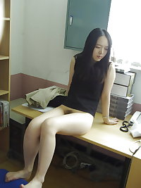 Cute Korean Girlfriend filthy spreading legs